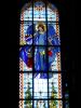 Witraż Anioła Stróża w prezbiterium