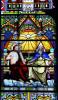 Witraż Trójcy Świętej w prezbiterium